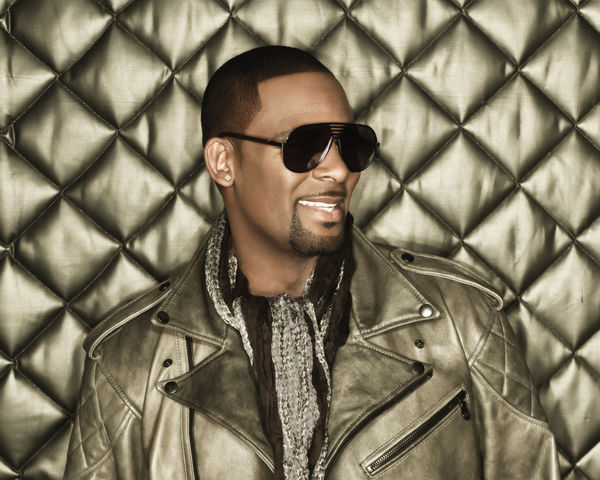 R Kelly Albums Songs Discography Biography And Listening
